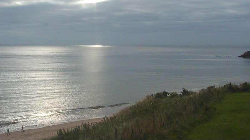 Webcam image from Tynemouth - Longsands